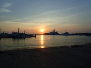 石垣島でのんびりダイビング「夕日」ヒートハートクラブ
