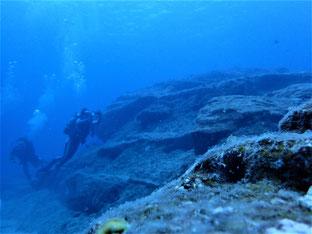 石垣島でのんびりダイビング「なんちゃって遺跡」ヒートハートクラブ
