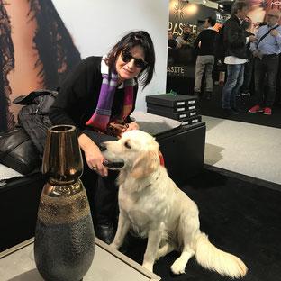 Doris Schippl und Haushund Lola mit neuen Fassungen von Prego!