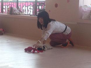 今日の私をサポートしてくれたデモ犬のパグちゃんです☆リーブイットの練習方法をレクチャー