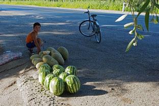 eine Melone als Geschenk
