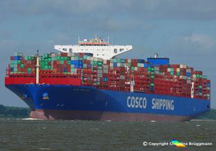 Containerschiff COSCO SHIPPING VIRGO auf der Elbe zum Erstbesuch von Hamburg, 06.07.2018