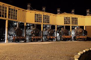 ajecta de longueville avec sa rontonde de vieilles locomotives