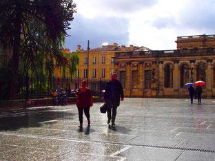 Regenschauer am Place del Bourse