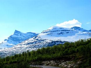 die Gipfel ca. 1.400 m hoch