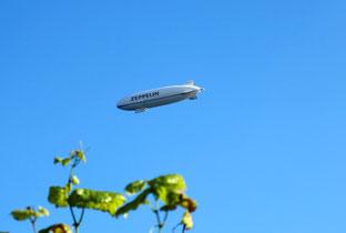 """ein Zeppelin """"fuhr"""" über uns hinweg"""