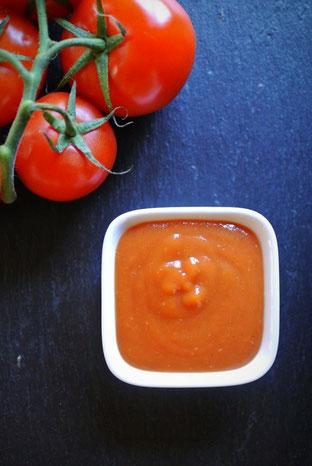 Ketchup selbst machen aus frischen Tomaten