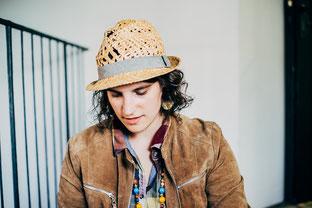Marie Gabrielle- Die Frau mit Hut und Wortkunst