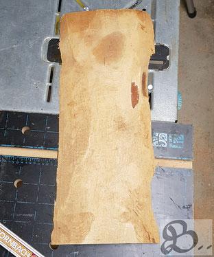 unbehandelte Lärchenbohle mit entfernter Rinde, wetterfestes Holz für die Außenanwendung - Holzwerk Peter Stoiber