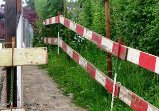 27. Mai 2016 - Wanderweg - nur für ganz schmale Fussgänger