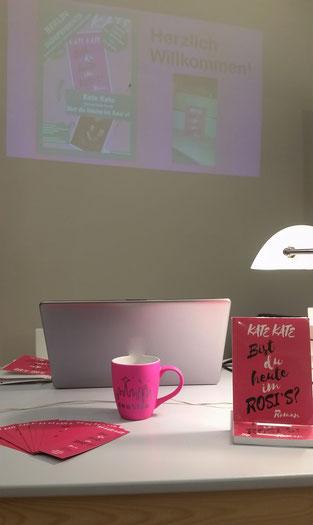 Kates Lesebühne - mit passender Tasse aus Seattle