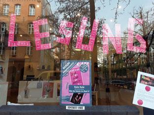 Buch pink - Schaufenster pink