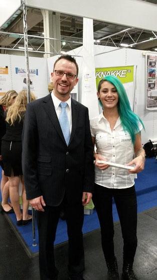Mit Emely (www.emely-model.de) vor dem Stand von Knakke (www.knakke.de)