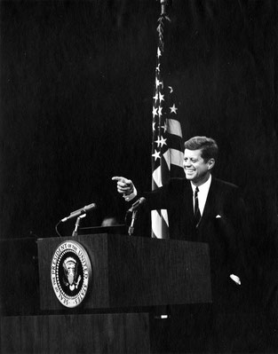 © Photograph by Abbie Rowe ·White House Photographs · John F. Kennedy Presidential Library and Museum, Boston