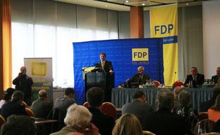 Parteivorsitzender Witzel wirbt für eine freiheitliche Politik und warnt vor immer mehr Verbotsvorschriften.