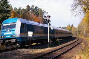 """""""Alex"""" (Allgäu-Express) im Bahnhof Altenschwand, Nähe Wackersdorf"""