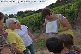 balade-randonnee-dans-le-vignoble-en-famille-activites-enfants-Vouvray-Tours-Touraine-Vallee-Loire-Rendez-Vous-dans-les-Vignes-Myriam-Fouasse-Robert