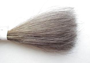 カウンセリングシャンプーで何度か洗浄した毛束の写真