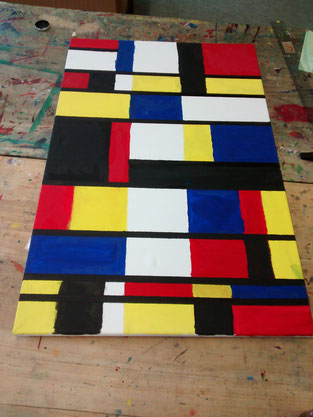 Farbfelder in Blau, Rot und Gelb, hier noch relativ unsauber ausgeführt.