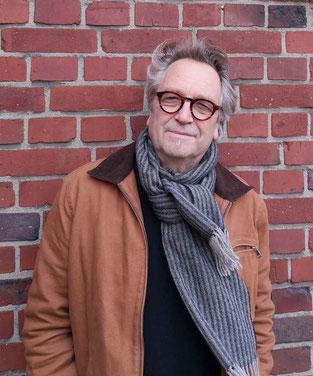 Rolf Tiemann mit Schal - Foto von A. Hinricher