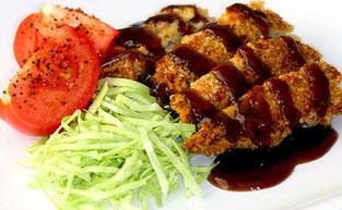 Escalope con salsa Tonkatsu