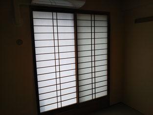 障子も張替えて部屋が明るくイメージチェンジします