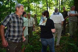Wer bin ich?: Eine Gruppe Jäger erlebt Umweltbildung beim Tiereraten