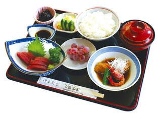 お刺身と煮魚定食
