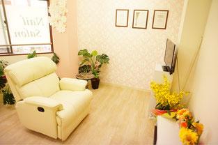 板橋ネイルサロンAgateフットネイル用ソファー席