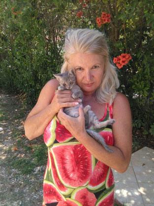 Frau Kleist ist eine ganz liebe Pflegestelle für Katzen.
