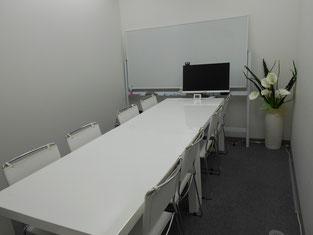 宮崎はまゆう法律事務所の相談室(8名用)