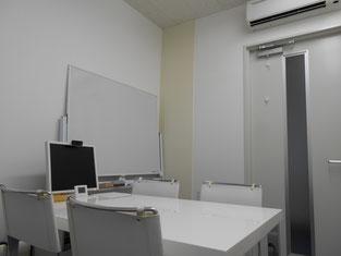 宮崎はまゆう法律事務所の相談室(4名用)