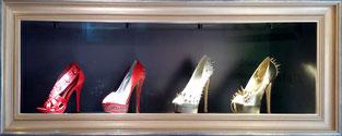 Maßeinrahmung von Schuhen, entspiegeltes Glas