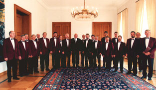 Erk Männer-Vocal-Ensemble Berlin with the President of Germany Roman Herzog, 1995