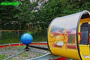 Affen und Vogelpark Eckenhagen Tierpark Luna Loop Karussell Wildpark Zoo Nordrhein Westfalen Butterfly Sunkid Heege Pendelbahn