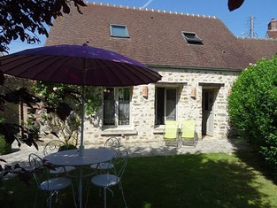 Cottage near Senlis north of Paris 8 minutes to 1