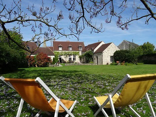 B&B near Senlis  North of Paris 8 minutes A1