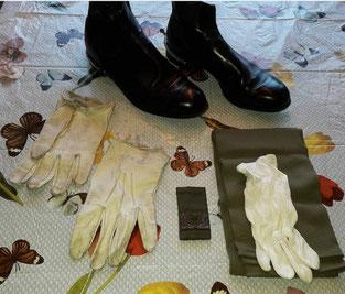 generaal Walthuis bottines en handschoenen.