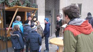 Am dritten Adventsonntag gab es für die Jungschar- und Erstkommunion-Kinder nach der ersten Sternsinger Probe Kinderpunsch.