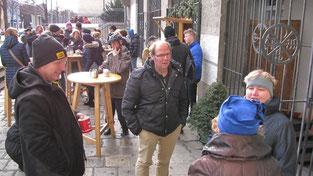 Am vierten Adventsonntag gab es nach der Messe kein Kaffeehaus mehr und die Punschhütte war wieder gut besucht.