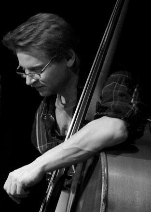 Sven Krug, Jazz-Bassist, Kontrabass, Komposition, Unterricht, Kassel