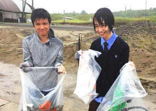 雨でゴミも重い・・・