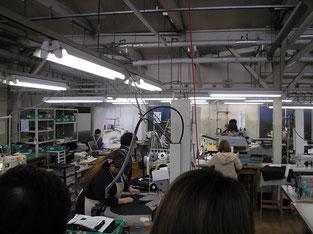 エリ、ソデなどパーツごとに縫製
