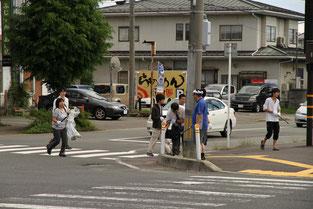横断歩道の周りは集中的に。