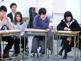 吉田さんの壮絶な体験、そこから得られた自分の心のあり方…みんな引き込まれるように聞き入っていました。