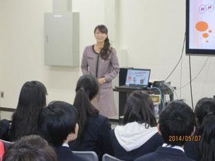 NHK職員の方によるスタジオ入室前の事前説明