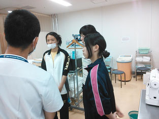 理学療法士と作業療法士それぞれに分かれて説明を受けました。