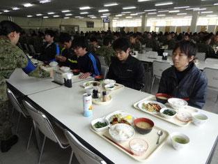 自衛隊隊員と同じ食事