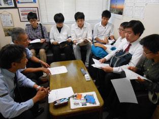 東武鉄道の会社の説明を受けています。