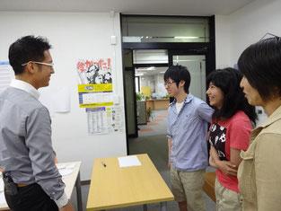 とても気さくに生徒たちとお話してくださいました。